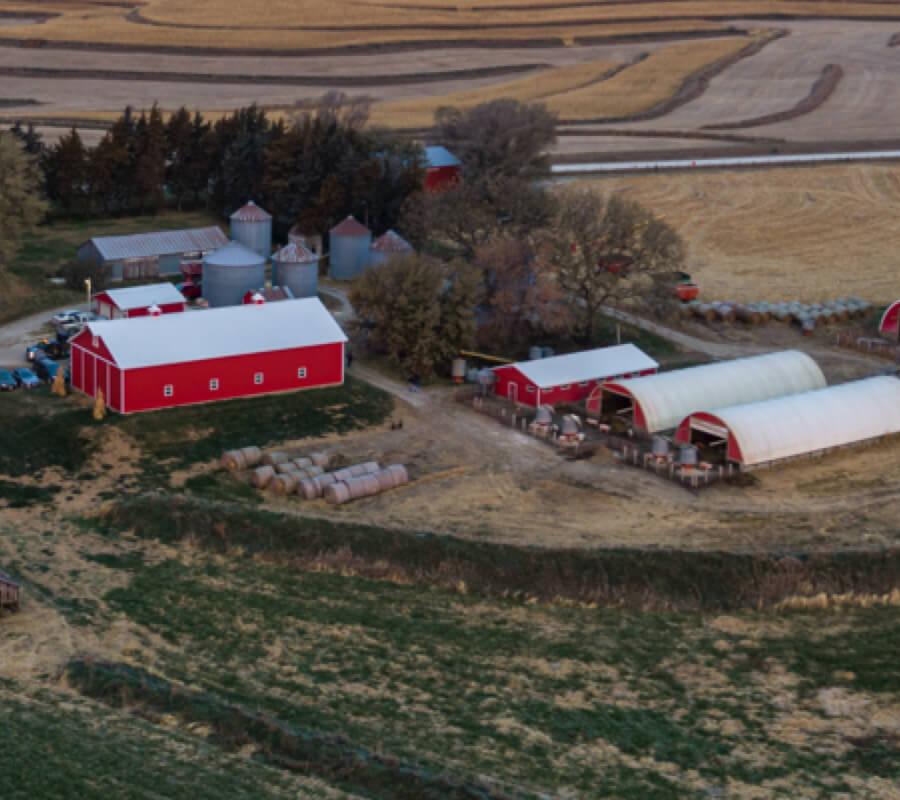 Foto aérea de una granja que suministra a Chipotle ingredientes frescos en el restaurante.