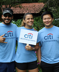 Citi employees doing landscape work as volunteers