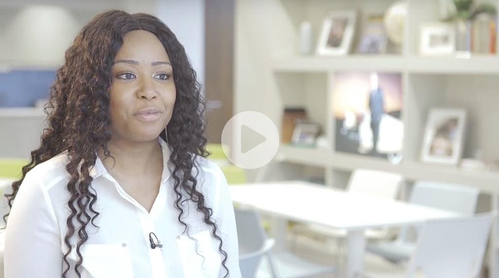 女性在企业租车事业中茁壮成长(视频)